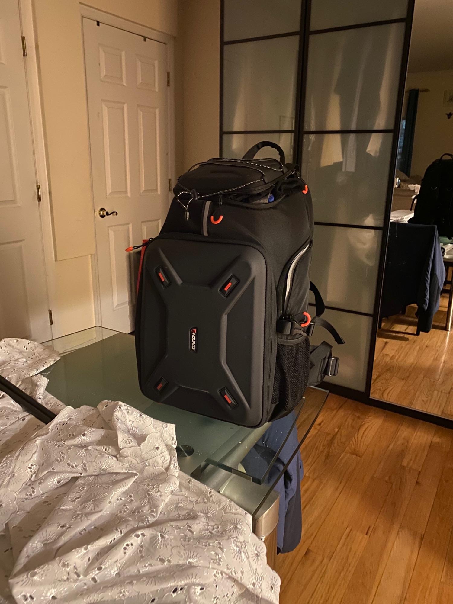Вот как пример как можно изобразить рюкзак