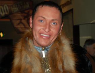 Женоподобный гей на зоне 6 фотография