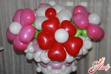 cvety-iz-sharov-svoimi-rukami-4