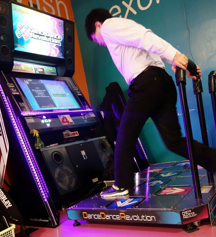 игровой автомат танцевальный