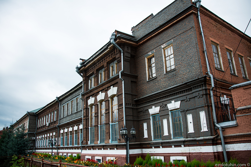 How do the elite Russian vodka Beluga plant, vodka, Beluga, vodka, Mariinsk, bottles, here, thousands, bottle, alcohol, manually, only