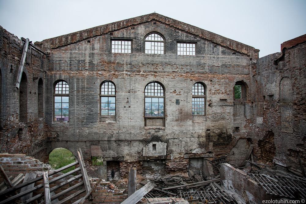 Заброшенный стекольный завод XIX века