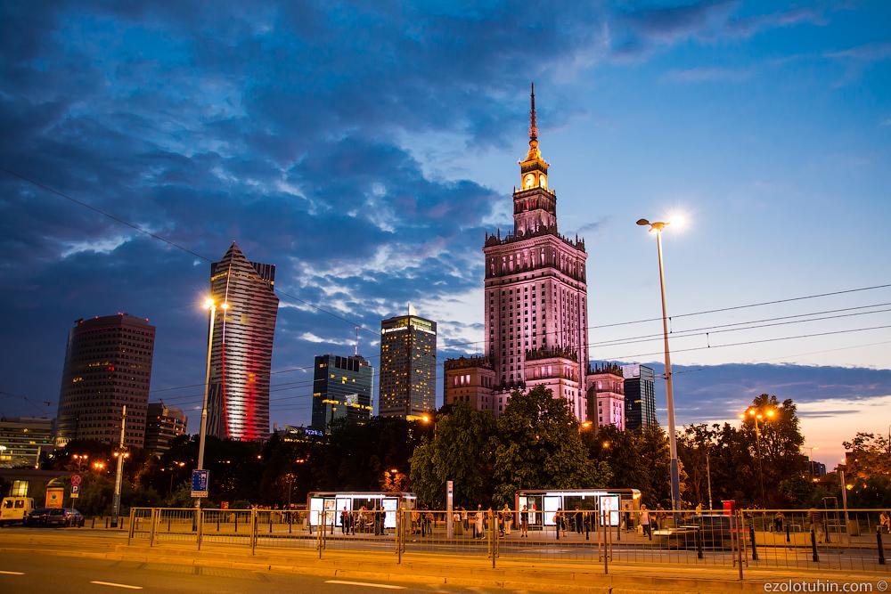 Гигантский памятник Советскому Союзу в центре Европы здания, Варшавы, подарок, высотка, небоскреб, самым, высотки, советских, Польши, площадка, Культуры, Дворец, сталинской, стала, много, снова, одним, разговоры, Польшу, советский
