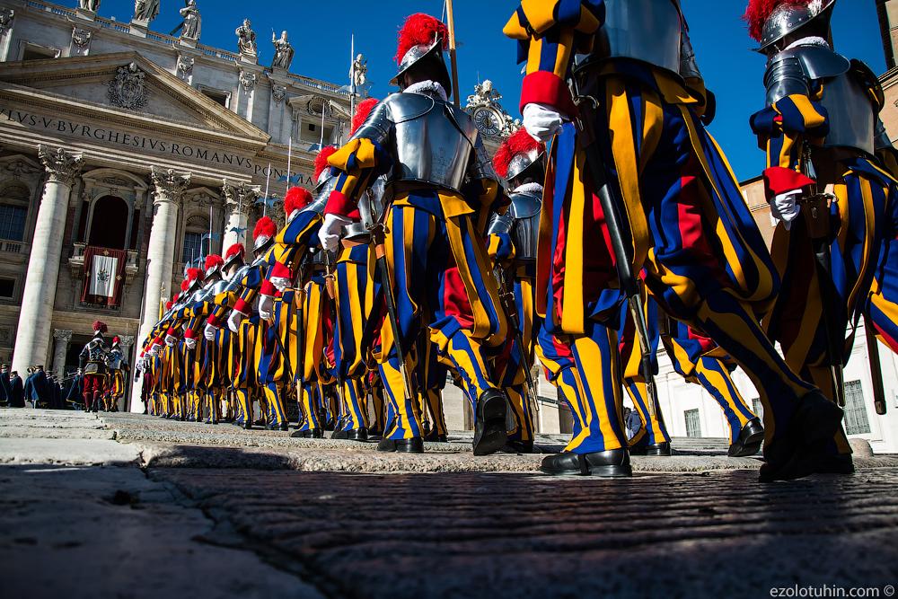Рождественский парад армии Ватикана и обращение Папы Римского к миру