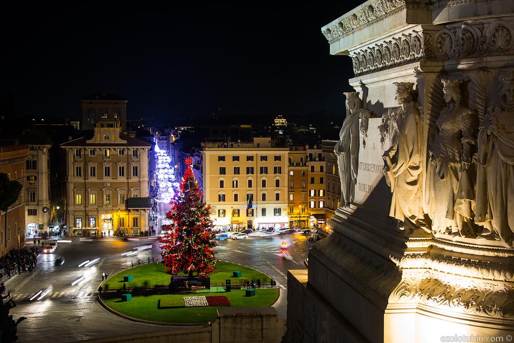 Самая страшная новогодняя елка в мире?