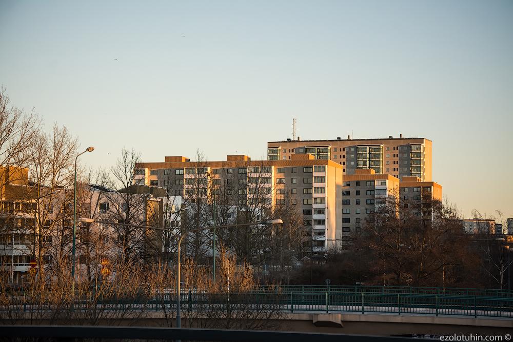 Прогулка по самому криминальному району Швеции. Так ли это страшно? Розенгорд, только, Швеции, беженцев, имеют, очень, жителей, можно, районе, района, действительно, Швецию, район, происхождение, больше, такие, мигранты, Розенгорде, границей, родились