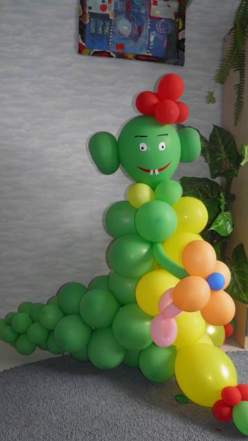 Фируры из воздушных шариков в киеве на