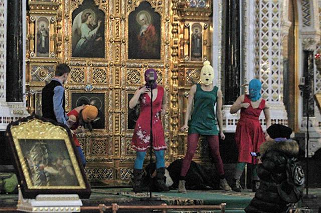 Никаких врагов РПЦ не надо, они себе сами враги №1.Христианское милосердие в действии. http://pics.livejournal.com/ev_chuprunov/pic/000q131f