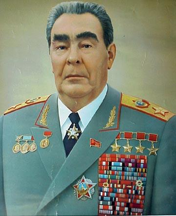 Leonid_Brezhnev_as_Marshal