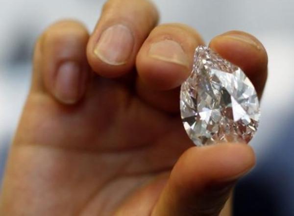 diamond-hand.jpg