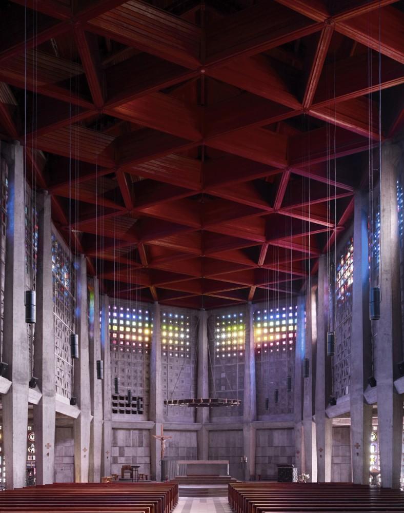 50c793ceb3fc4b2b10000048_photography-mid-century-modern-churches-by-fabrice-fouillet_fabrice_fouillet_corpus_christi_5_copy-788x1000