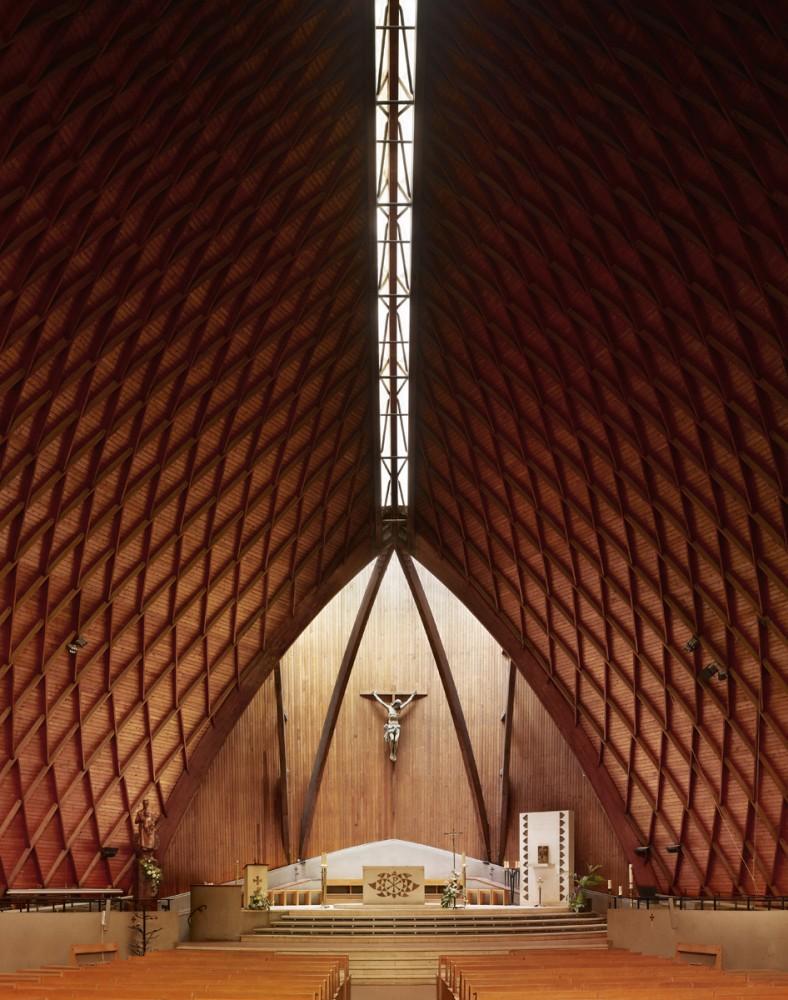 50c793dfb3fc4b2b1000004c_photography-mid-century-modern-churches-by-fabrice-fouillet_fabrice_fouillet_corpus_christi_9_copy-788x1000