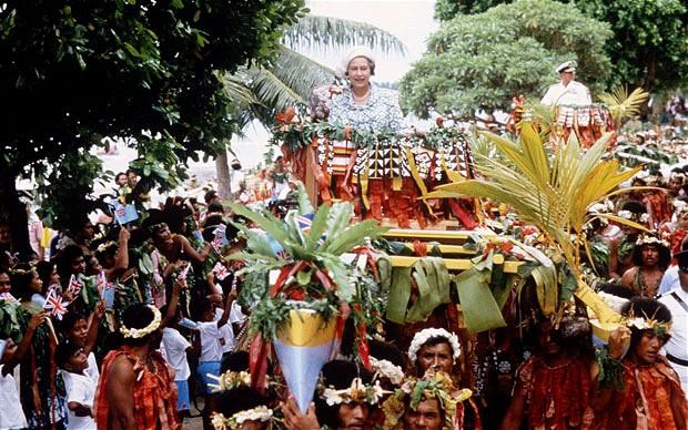 elizabeth-tuvalu-1_2216635i