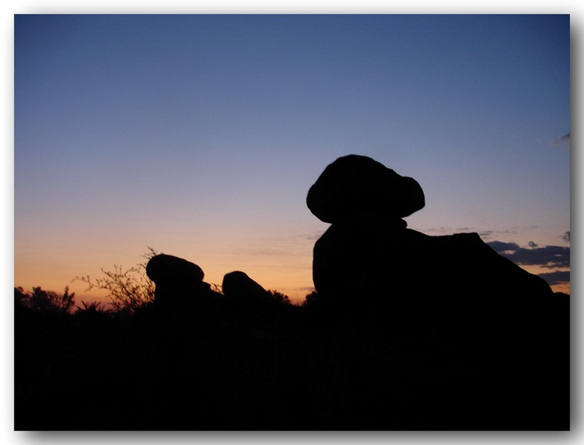 Балансирующие камни на закате1