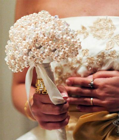 Необычные букеты невесты