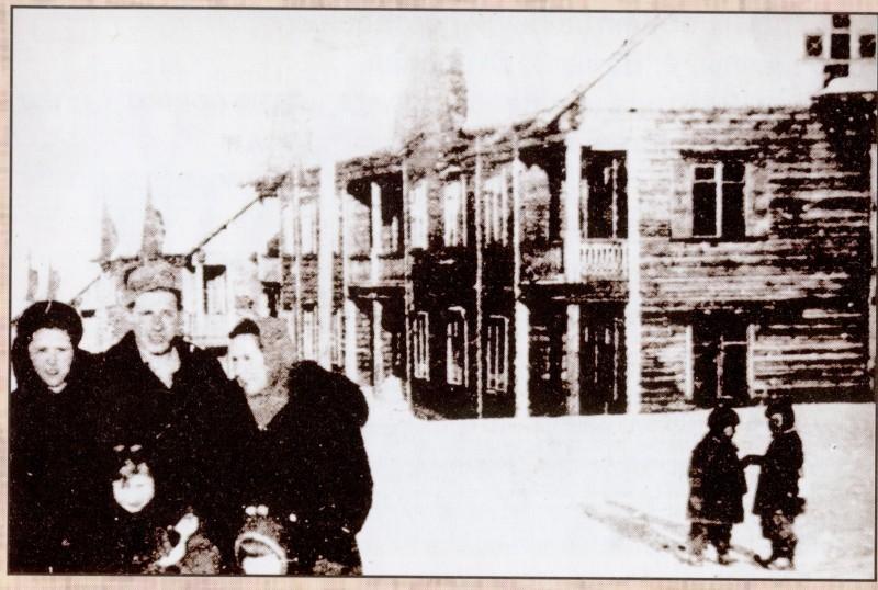 Известная фотография Постоянного поселка