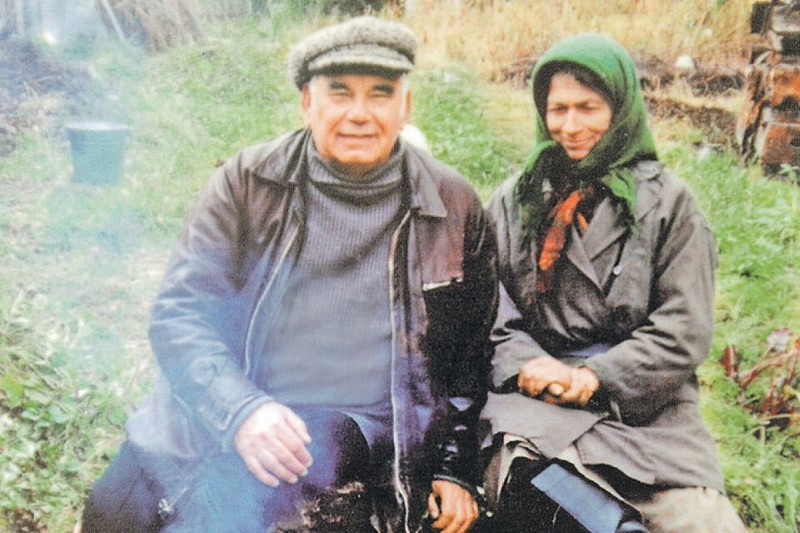 Василий Песков с Агафьей. Фото: Из личного архива Василия ПЕСКОВА