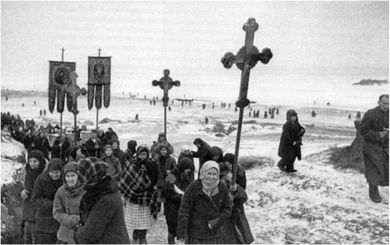 Крестный ход во время Великой Отечественной войны