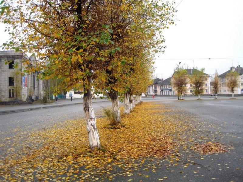 Площадь носит  имя Валерьяна Порфирьевича Гогия, человека, оставившего большой добрый след в истории города.