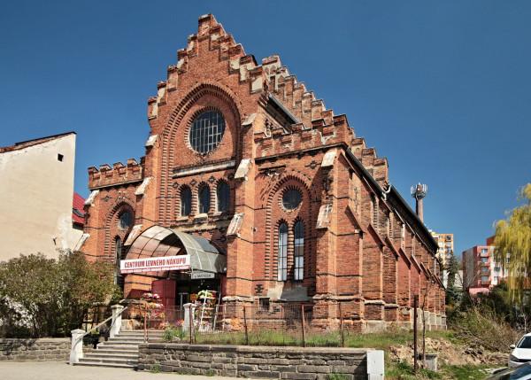 1920px-Velké_Meziříčí_Nová_synagoga_1
