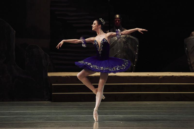 Второй акт, синяя пачка. Фото Михаила Вильчука © Мариинский театр