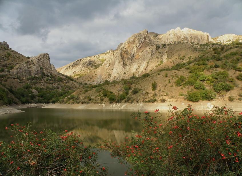 Чок-Сары и озеро