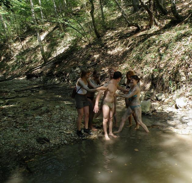 намазывание лечебными грязями