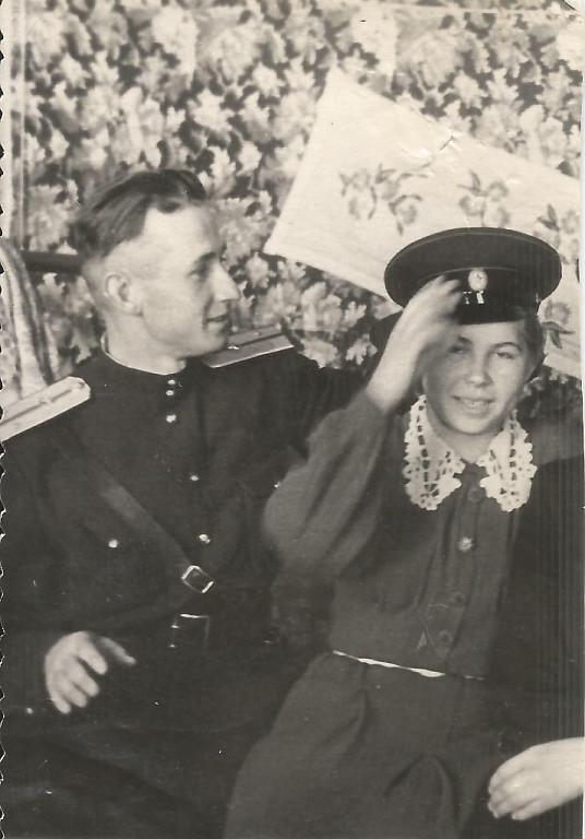 папа и мама в фуражке