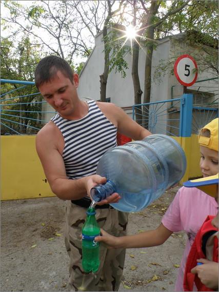 9 Кто хочет пить - Добрый Моряк поИт изнемогающих от жажды мангупчиков