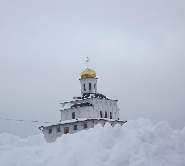 Ворота из снего