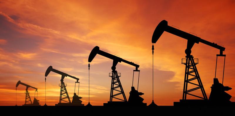 Что произошло перед падением нефти на 14%?