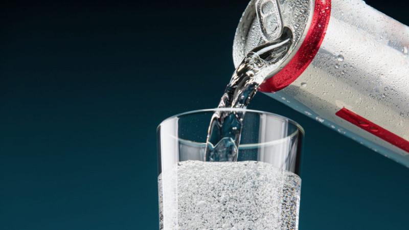 Самый горячий напиток лета -- крепкие газировки меняют алкогольную промышленность