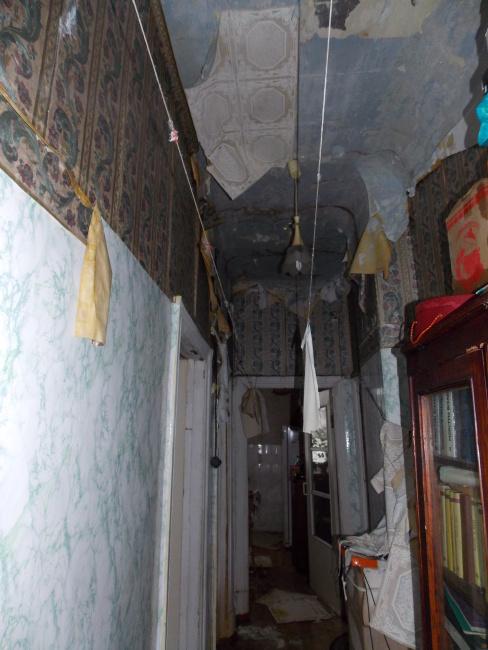 прорвало трубу на чердаке и затопило квартиру
