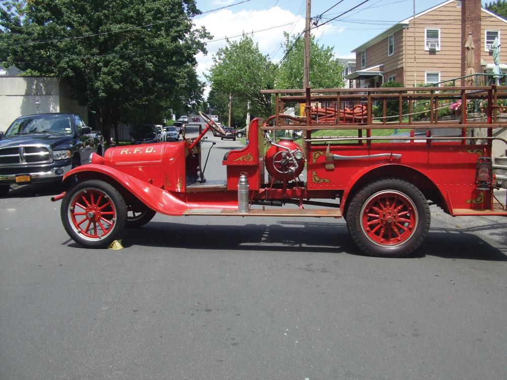 """Пожарный """"Додж"""" 1920 года"""