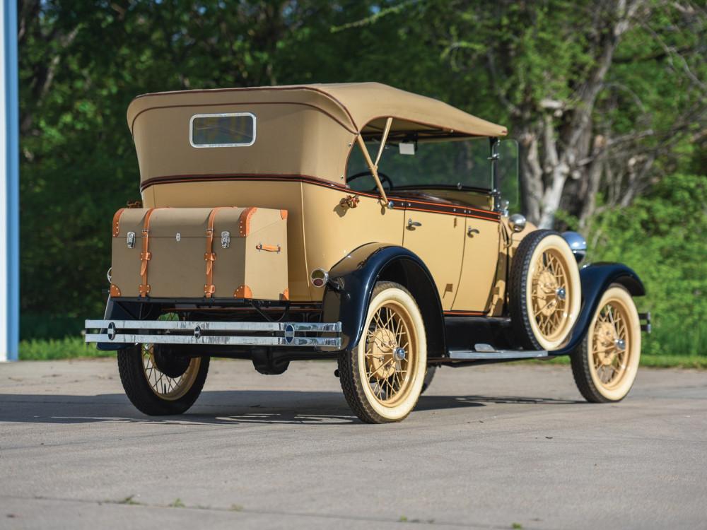 Ford Model A 1929 года с кузовом фаэтон. Standard, Deluxe, модели, автомобиля, Model, вариантах, Модель, новой, только, оконный, сошел, автомобиль, Генри, производства, конвейера, Fordor, Victoria, универсал, такси, «Tudor»