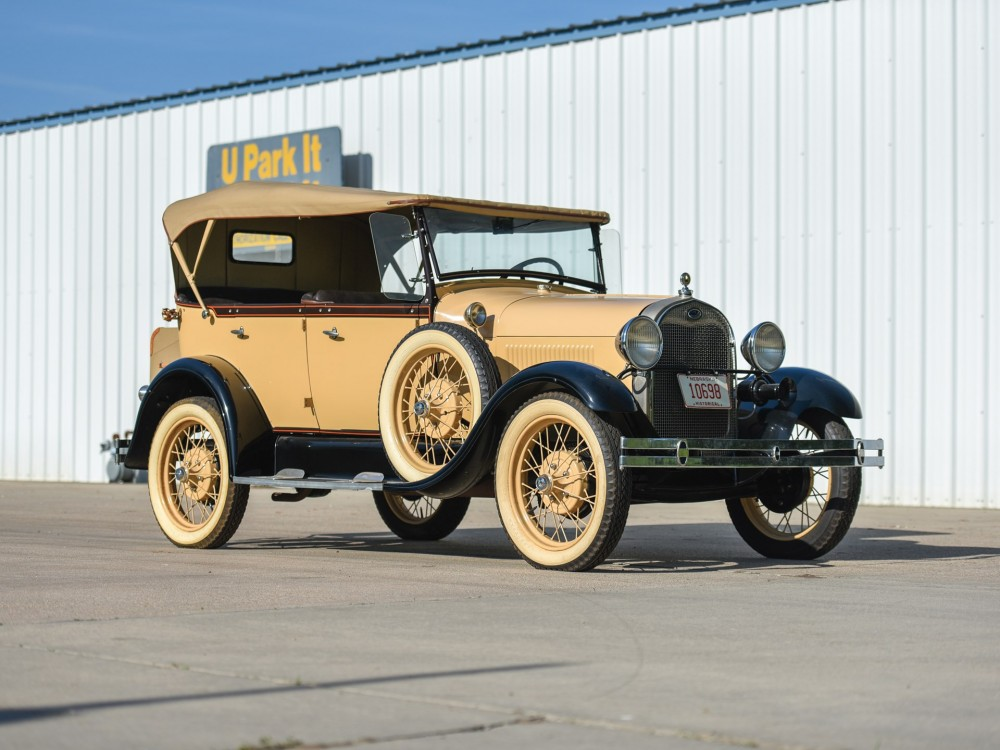 Ford Model A 1929 года с кузовом фаэтон.