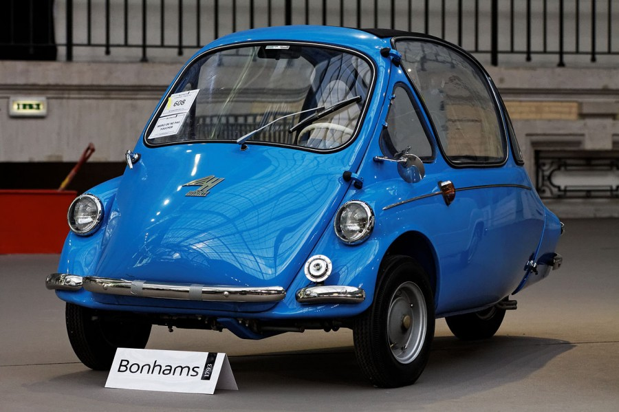 Paris_-_Bonhams_2013_-_Heinkel_kabine_micro_car_-_1957_-_006