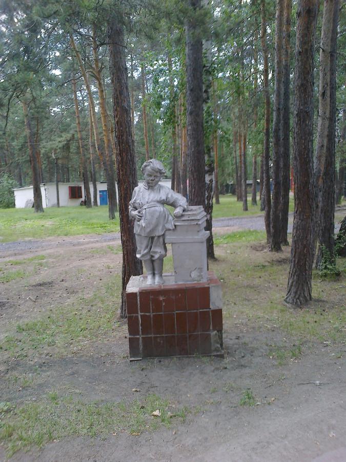 Ленин маленький с кудрявой головой