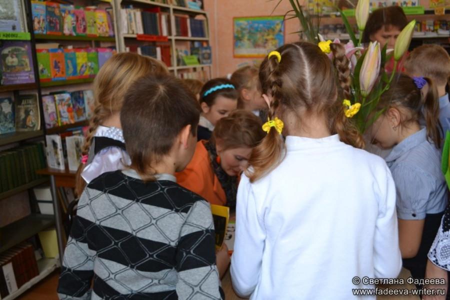knijnye-sezony-donskoy-publichnoy-na-celinskoy-zemle-42