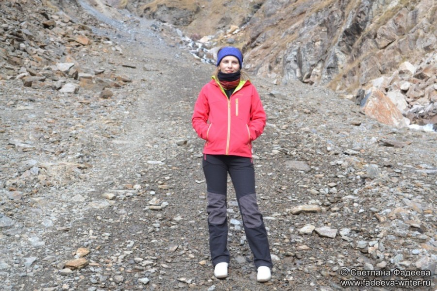 prielbruse-trekking-v-okrestnostyah-podem-ot-polyany-azau-do-priyuta-11-ti-vyhod-k-skalam-pastuhova-07