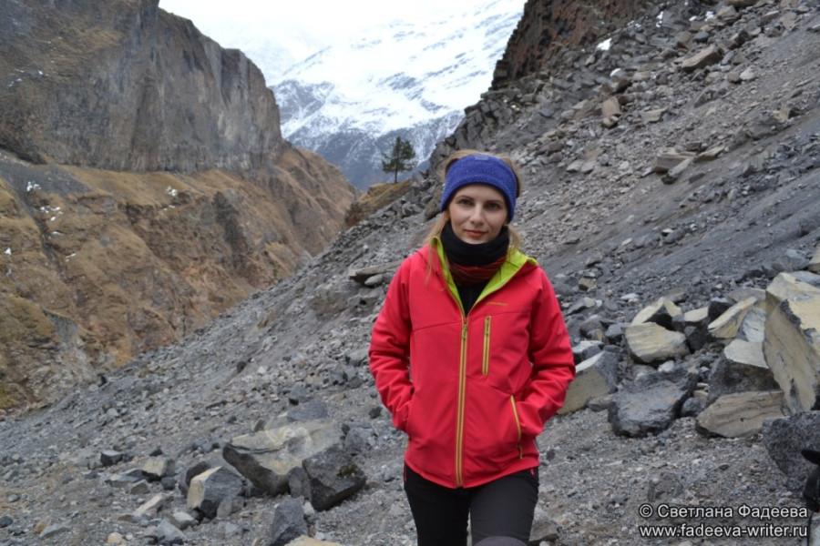 prielbruse-trekking-v-okrestnostyah-podem-ot-polyany-azau-do-priyuta-11-ti-vyhod-k-skalam-pastuhova-12