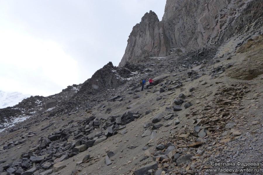 prielbruse-trekking-v-okrestnostyah-podem-ot-polyany-azau-do-priyuta-11-ti-vyhod-k-skalam-pastuhova-13