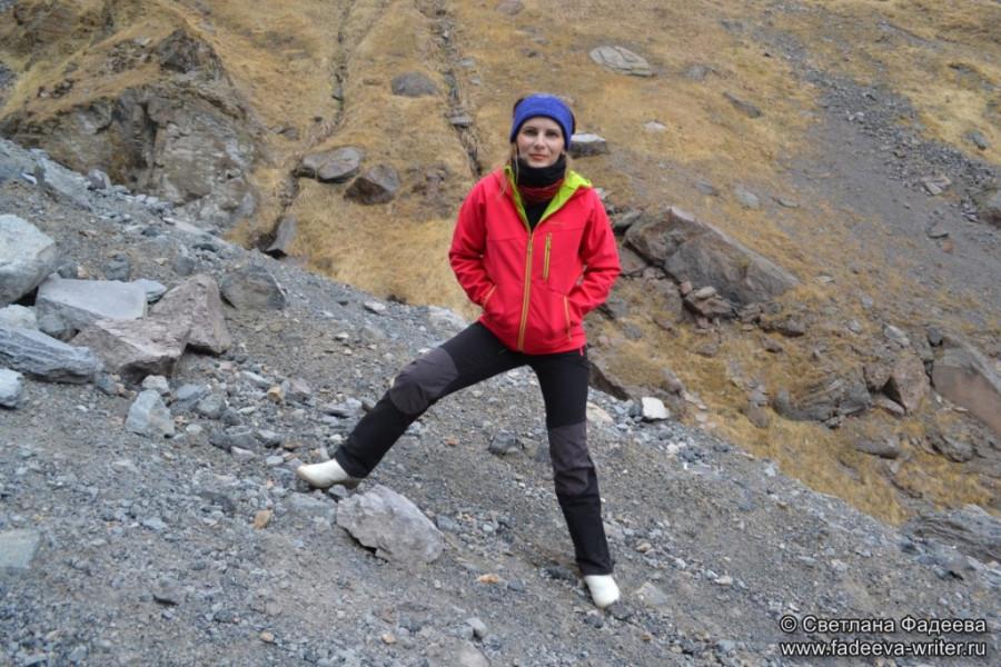 prielbruse-trekking-v-okrestnostyah-podem-ot-polyany-azau-do-priyuta-11-ti-vyhod-k-skalam-pastuhova-16