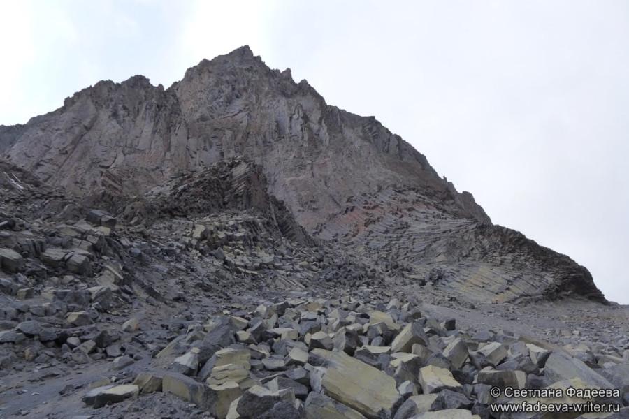 prielbruse-trekking-v-okrestnostyah-podem-ot-polyany-azau-do-priyuta-11-ti-vyhod-k-skalam-pastuhova-17