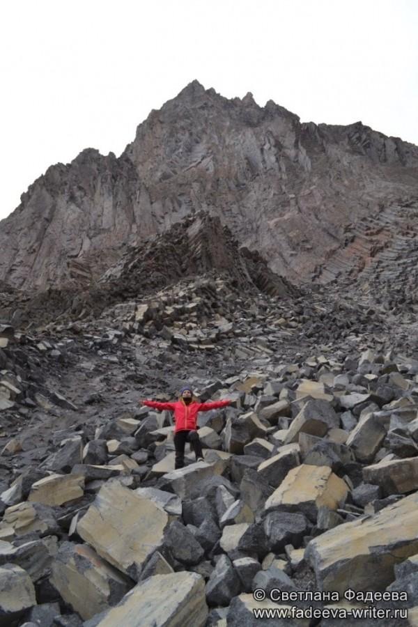 prielbruse-trekking-v-okrestnostyah-podem-ot-polyany-azau-do-priyuta-11-ti-vyhod-k-skalam-pastuhova-18
