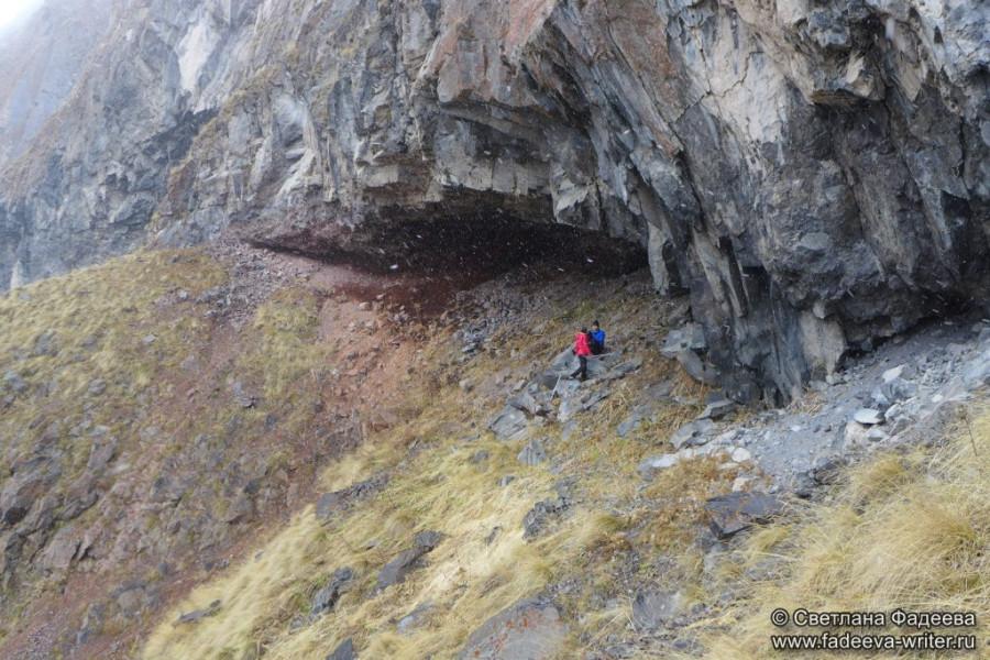 prielbruse-trekking-v-okrestnostyah-podem-ot-polyany-azau-do-priyuta-11-ti-vyhod-k-skalam-pastuhova-22