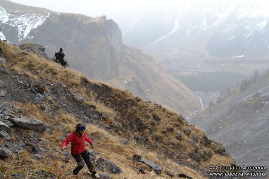 prielbruse-trekking-v-okrestnostyah-podem-ot-polyany-azau-do-priyuta-11-ti-vyhod-k-skalam-pastuhova-23