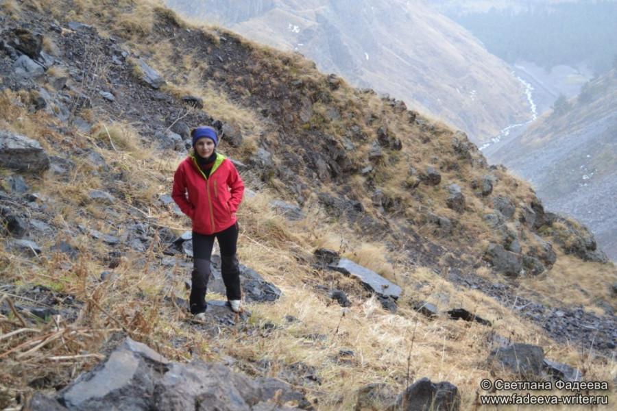 prielbruse-trekking-v-okrestnostyah-podem-ot-polyany-azau-do-priyuta-11-ti-vyhod-k-skalam-pastuhova-24