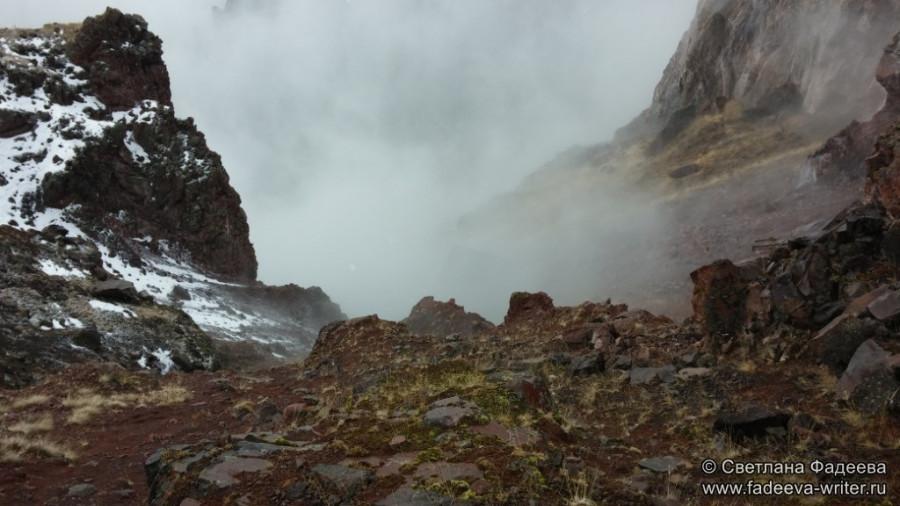 prielbruse-trekking-v-okrestnostyah-podem-ot-polyany-azau-do-priyuta-11-ti-vyhod-k-skalam-pastuhova-26