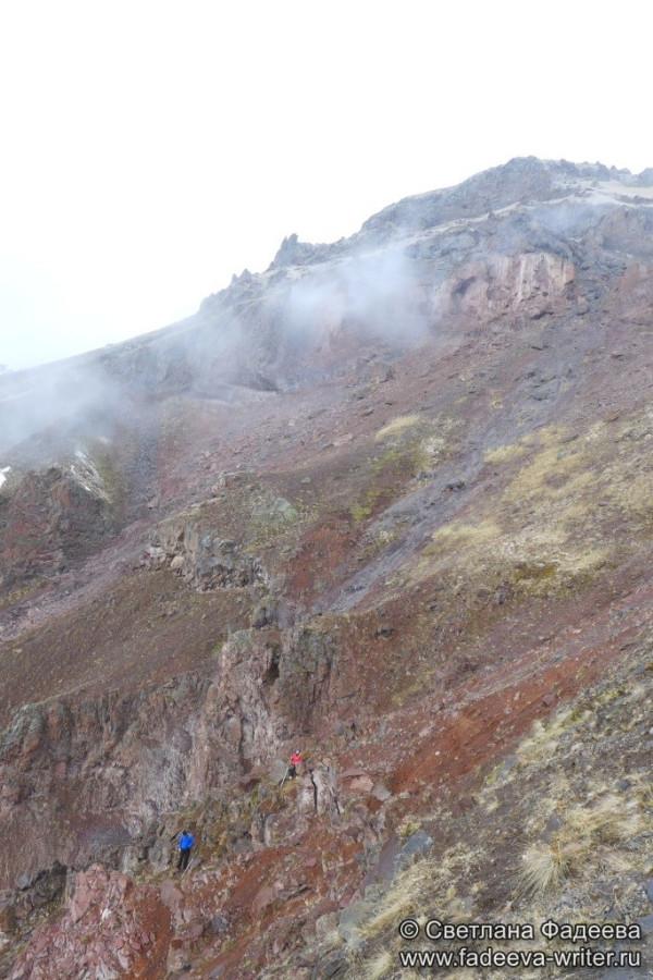 prielbruse-trekking-v-okrestnostyah-podem-ot-polyany-azau-do-priyuta-11-ti-vyhod-k-skalam-pastuhova-29